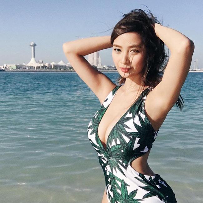Ngây ngất thân hình phồn thực của nữ MC ảo hot nhất Philippines - hình ảnh 14