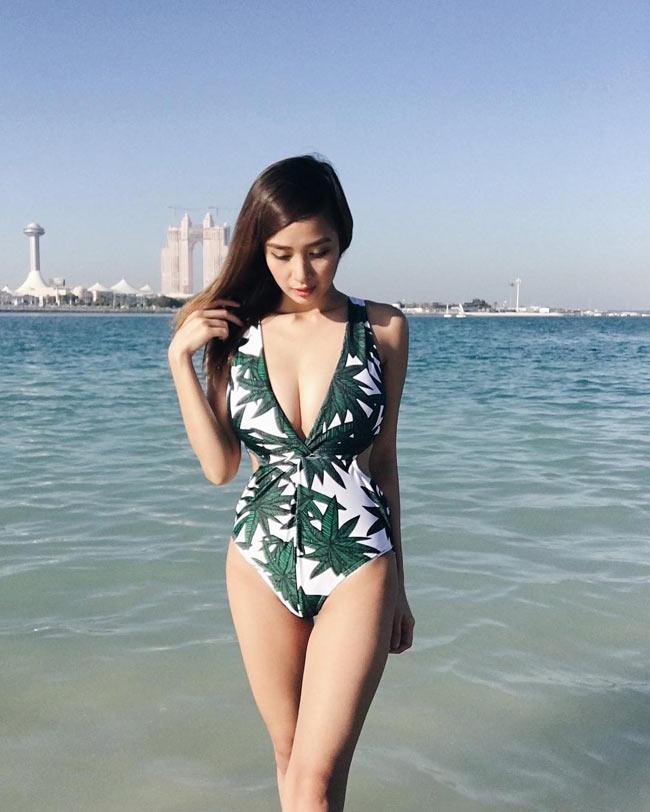 Ngây ngất thân hình phồn thực của nữ MC ảo hot nhất Philippines - hình ảnh 17