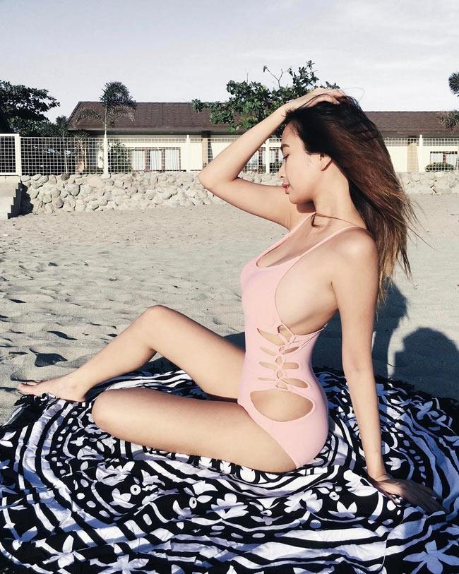 Ngây ngất thân hình phồn thực của nữ MC ảo hot nhất Philippines - hình ảnh 20