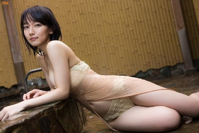 Mỹ nữ tắm suối diện đồ mỏng tang khoe vòng 1 nóng bỏng - hình ảnh 14