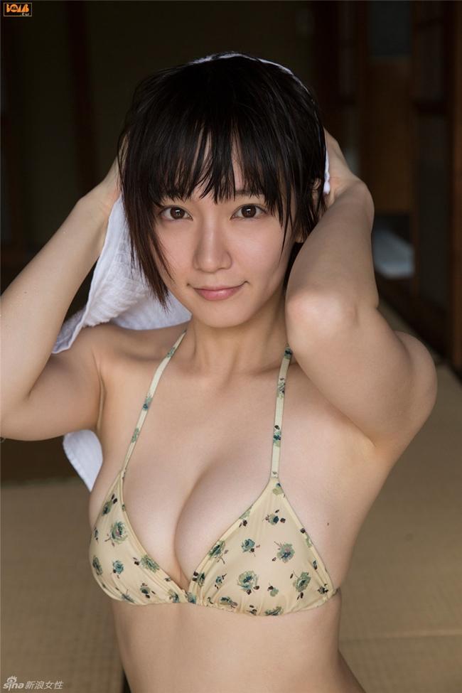 Mỹ nữ tắm suối diện đồ mỏng tang khoe vòng 1 nóng bỏng - hình ảnh 15