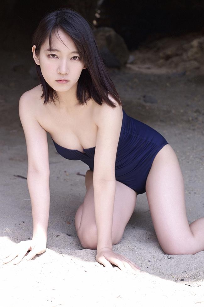 Mỹ nữ tắm suối diện đồ mỏng tang khoe vòng 1 nóng bỏng - hình ảnh 17