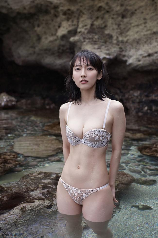 Mỹ nữ tắm suối diện đồ mỏng tang khoe vòng 1 nóng bỏng - hình ảnh 23