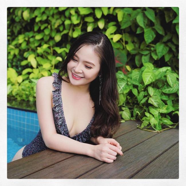 Vẻ đẹp siêu nóng bỏng của nữ sinh Đà Nẵng bị đồn cặp kè đại gia già - hình ảnh 3