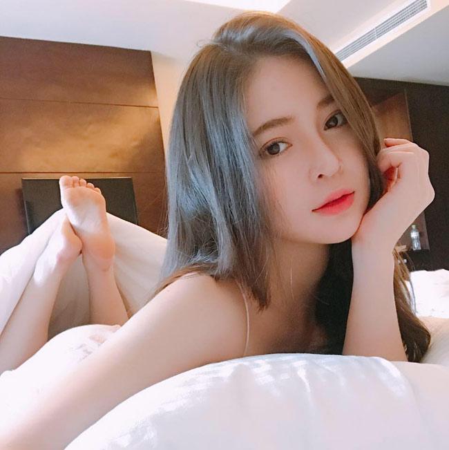 Vẻ đẹp siêu nóng bỏng của nữ sinh Đà Nẵng bị đồn cặp kè đại gia già - hình ảnh 13