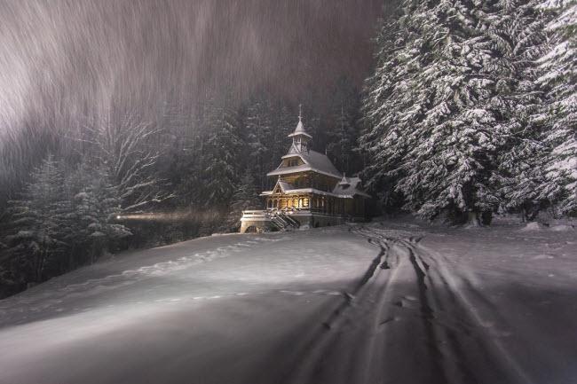 Lạc vào mùa đông kỳ diệu trên núi ở Ba Lan - hình ảnh 1