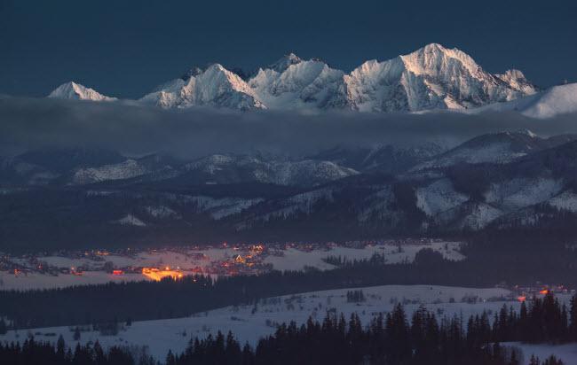 Lạc vào mùa đông kỳ diệu trên núi ở Ba Lan - hình ảnh 3