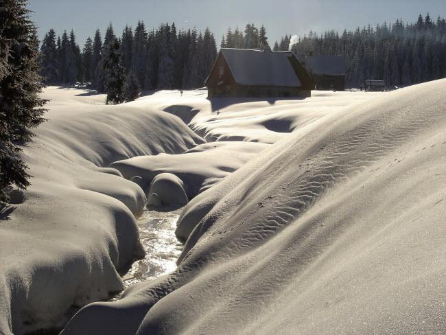 Lạc vào mùa đông kỳ diệu trên núi ở Ba Lan - hình ảnh 7