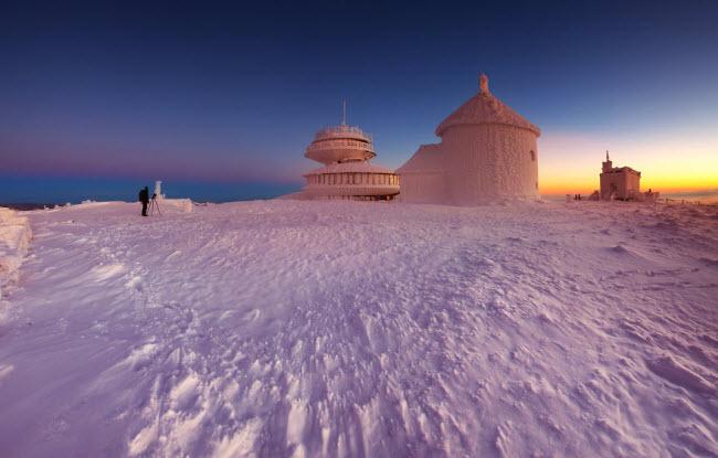 Lạc vào mùa đông kỳ diệu trên núi ở Ba Lan - hình ảnh 14