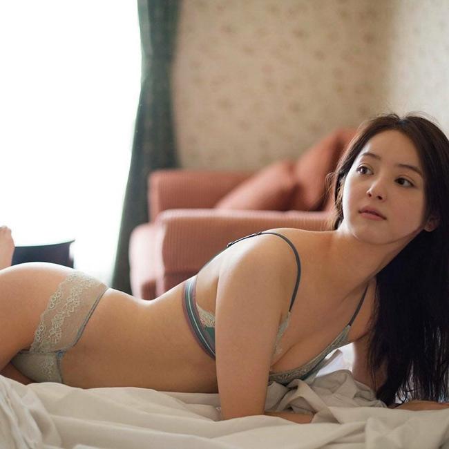 Chỉ với hai bức ảnh, mỹ nữ Nhật khiến trai trẻ Việt đắm say - hình ảnh 2