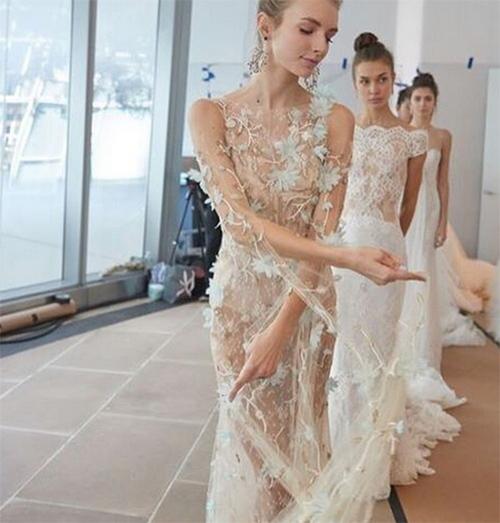 Nàng dâu diện váy cưới như cởi trần liệu có khiến quan khách giật mình? - hình ảnh 4