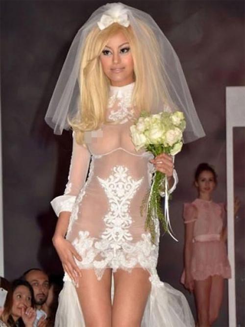 Nàng dâu diện váy cưới như cởi trần liệu có khiến quan khách giật mình? - hình ảnh 5