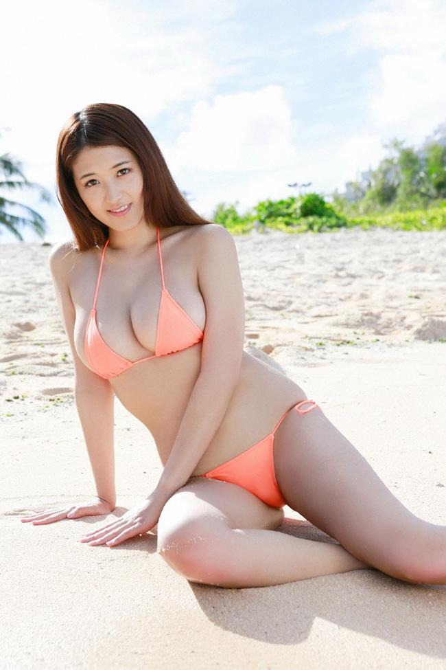 Bikini bé xíu của kiều nữ Nhật khiến mày râu nhìn là muốn đi bơi - hình ảnh 11