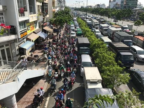 Phạm luật giao thông ở nội thành, phạt gấp đôi? - hình ảnh 1