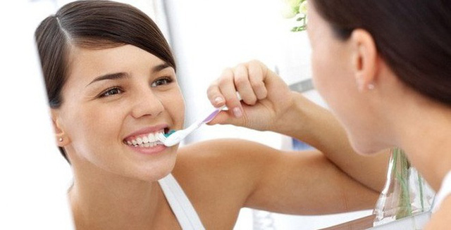 Nhiều người mắc ung thư miệng vì sai lầm ngớ ngẩn trong việc đánh răng - 1