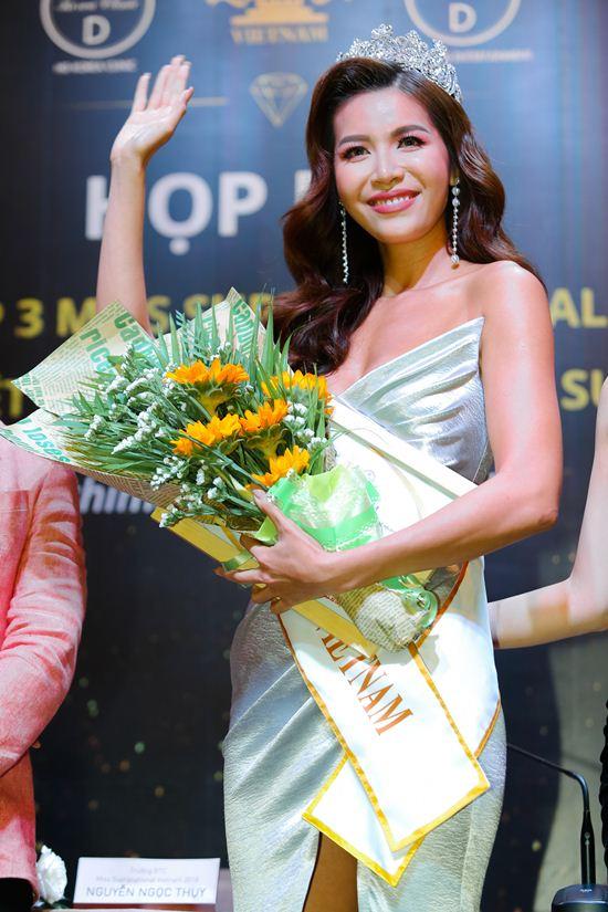 """Minh Tú: """"Tôi không ngại là Miss 10 +1 giống Lan Khuê"""" - 1"""