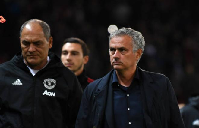 """MU 4 trận không thắng: Huyền thoại """"mắng"""" Mourinho không thương tiếc - 2"""