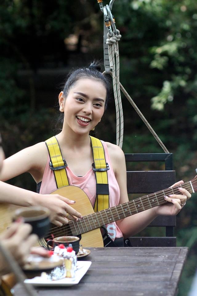 """Sau 1 năm thi hoa hậu, cô gái Lào """"xinh như tiên"""" giờ ra sao? - 15"""