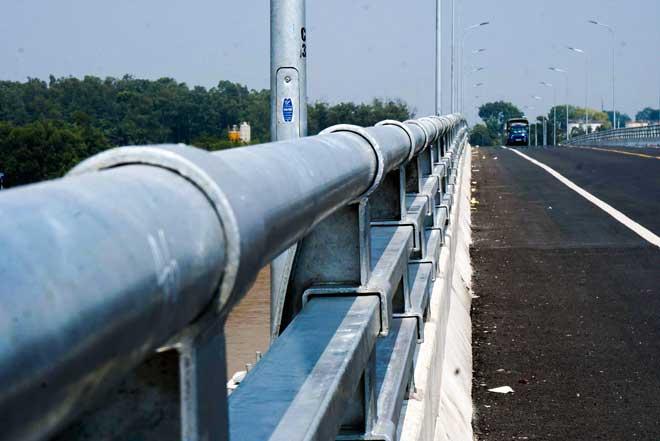 Ngắm cây cầu hơn 1.800 tỷ bắc qua sông Hồng thông xe dịp giải phóng Thủ đô - 3