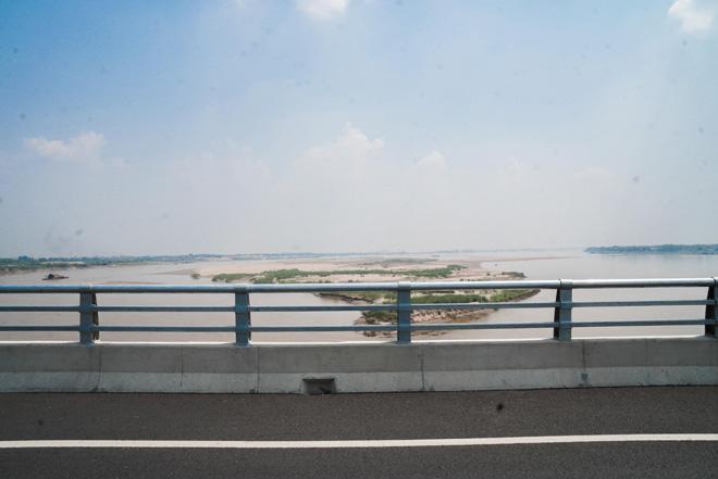 Ngắm cây cầu hơn 1.800 tỷ bắc qua sông Hồng thông xe dịp giải phóng Thủ đô - 4