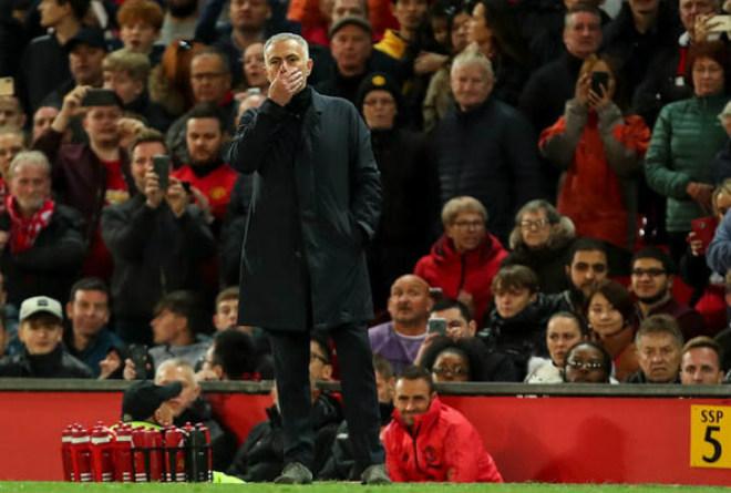 """Tiết lộ """"thâm cung"""" MU: Pogba hóa người hùng cứu ghế Mourinho - 1"""