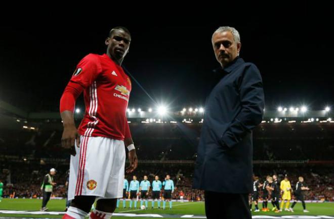 """Tiết lộ """"thâm cung"""" MU: Pogba hóa người hùng cứu ghế Mourinho - 2"""