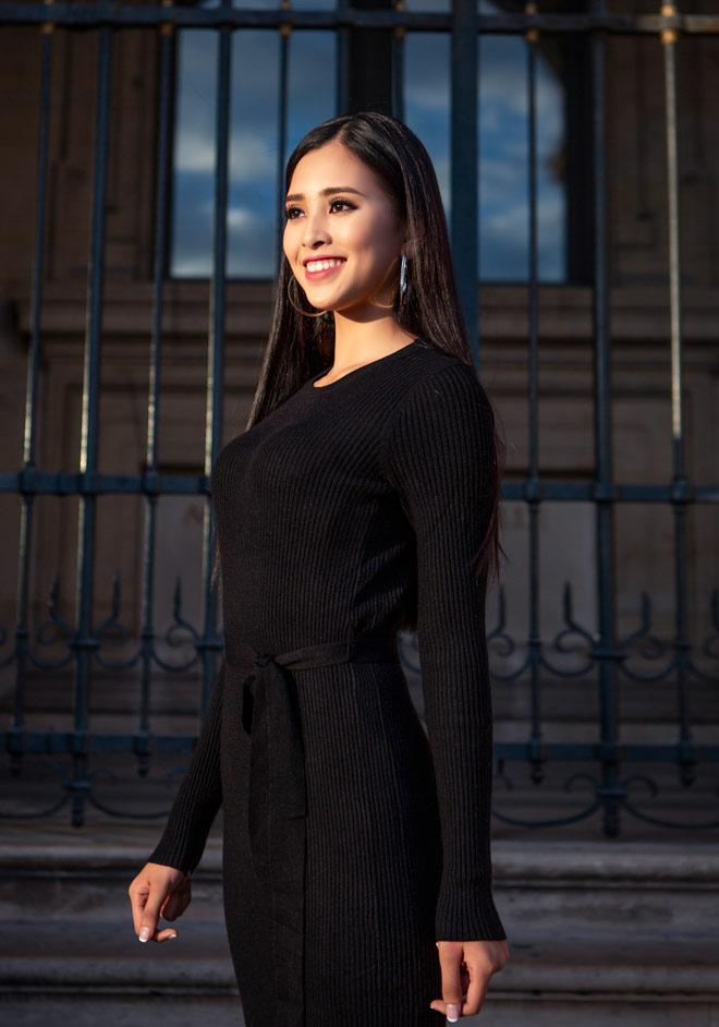 Hoa hậu Trần Tiểu Vy đẹp sang trọng giữa phố Paris - 12