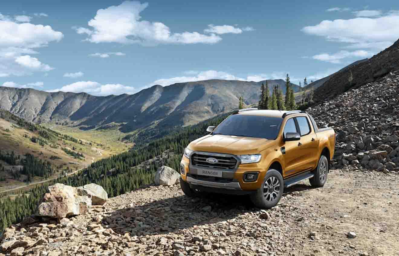 """Ford Ranger tiếp tục giữ ngôi vương """"bán tải bán chạy nhất Việt Nam"""" với 624 xe bán ra trong tháng 9 - 3"""