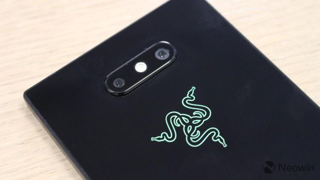"""Cận cảnh smartphone dư sức """"chạy nuột"""" các game di động nặng ký - 10"""