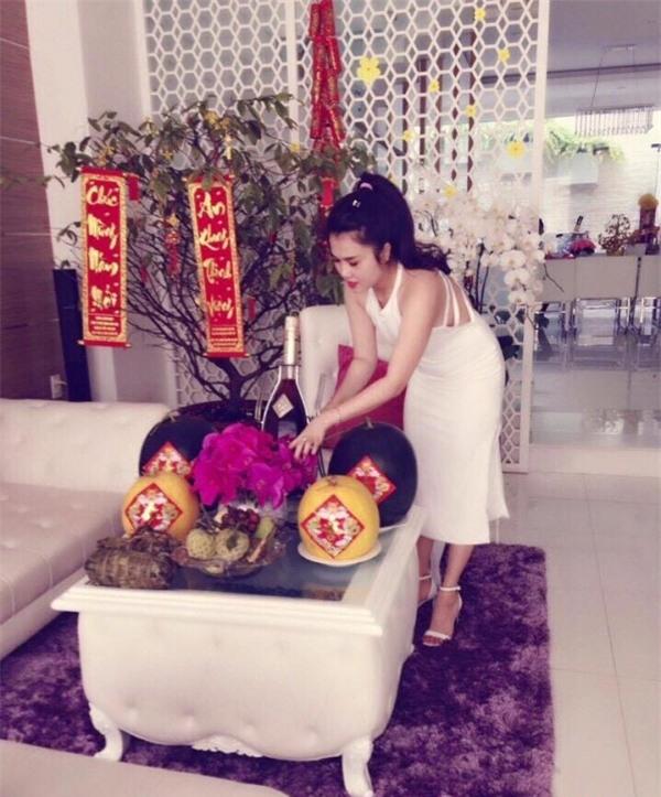 Mẹ đơn thân nóng bỏng sắp cưới Tiêu Quang Vboys giàu cỡ nào? - 4