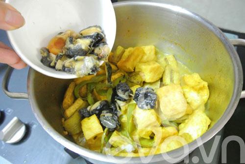 Bí quyết nấu ốc chuối đậu thơm ngon mà không bị tanh - 2