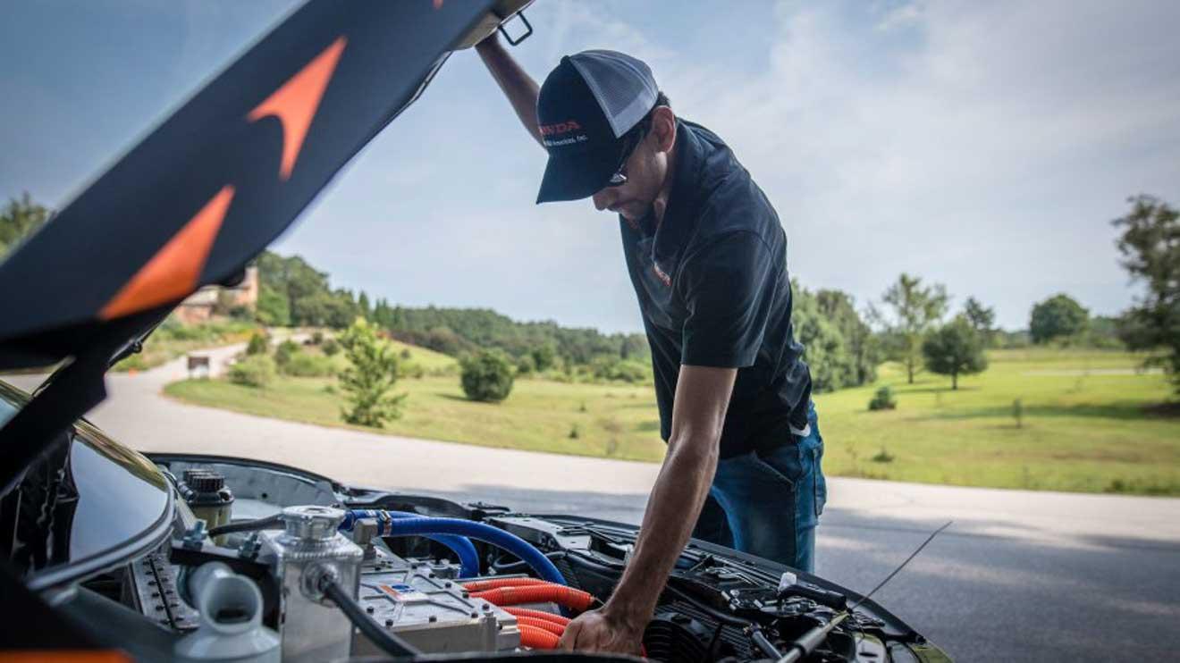 Honda Civic mạnh hơn 600 mã lực qua bàn tay của nhóm sinh viên đại học - 9