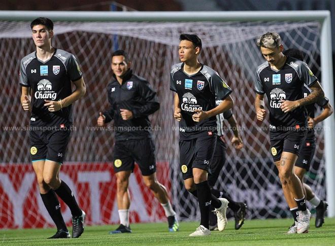 Thái Lan, Malaysia có SAO nhập tịch săn vàng AFF Cup: Thầy Park ngại ai? - 1