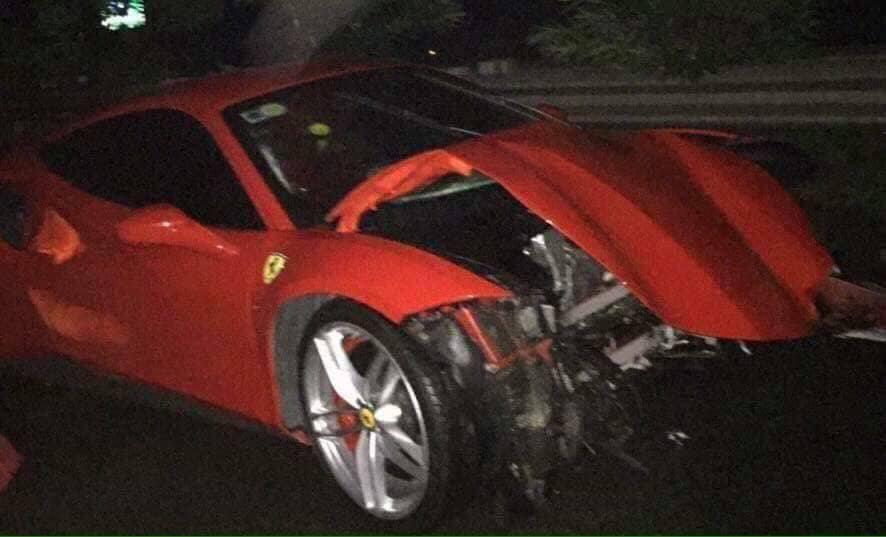 Siêu xe 15 tỷ của Tuấn Hưng gặp tai nạn nát đầu ở Phú Thọ