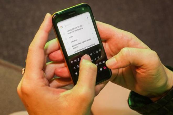Huyền thoại Palm trở lại với chiếc smartphone nhỏ gọn, giá 8,15 triệu đồng - 3