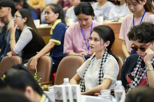 Á hậu Thùy Dung từng bị chê giao tiếp kém, tự ti - 3