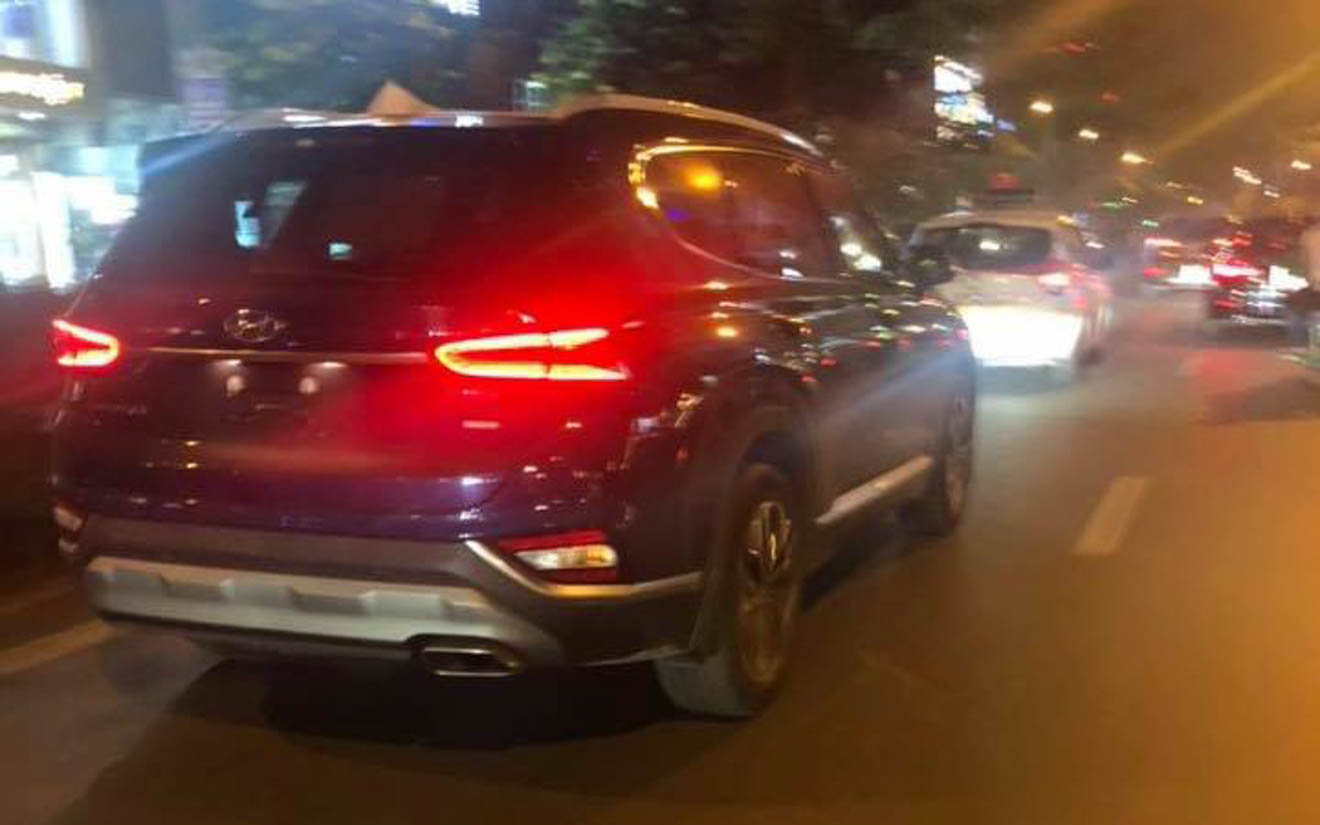 Hyundai SantaFe 2019 bất ngờ xuất hiện trên đường phố Hà Nội - 14