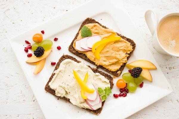 Bữa sáng ăn gì để giảm cân mà vẫn giàu năng lượng cho cả ngày dài? - 1