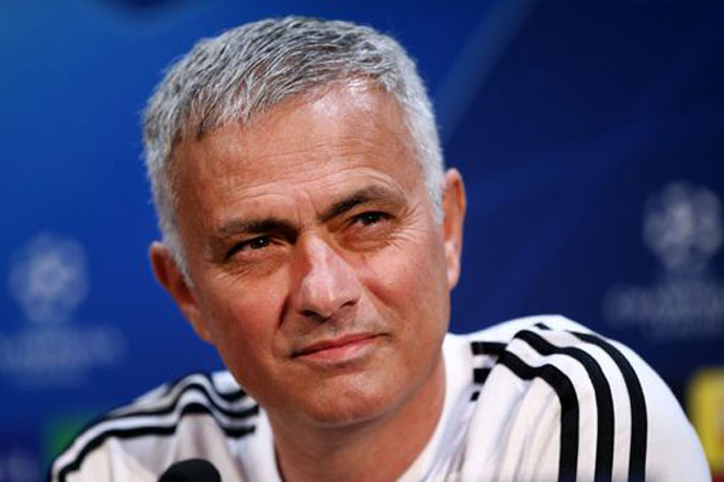 """Họp báo MU - Juventus: Mourinho tâng bốc Ronaldo, xin tha cho """"kẻ nổi loạn"""" - 1"""
