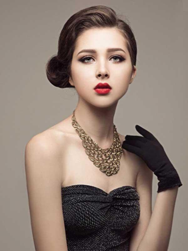 Kỳ 1: Choáng với thu nhập của người mẫu Tây ở Việt Nam - 2