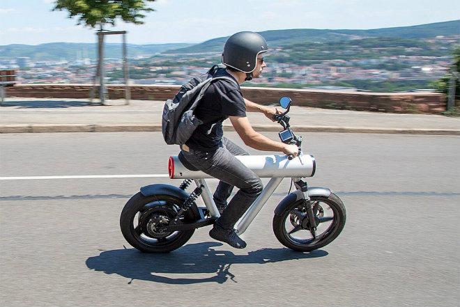 Độc đáo môtô điện thiết kế như tên lửa, cuốn hút thanh niên - 1