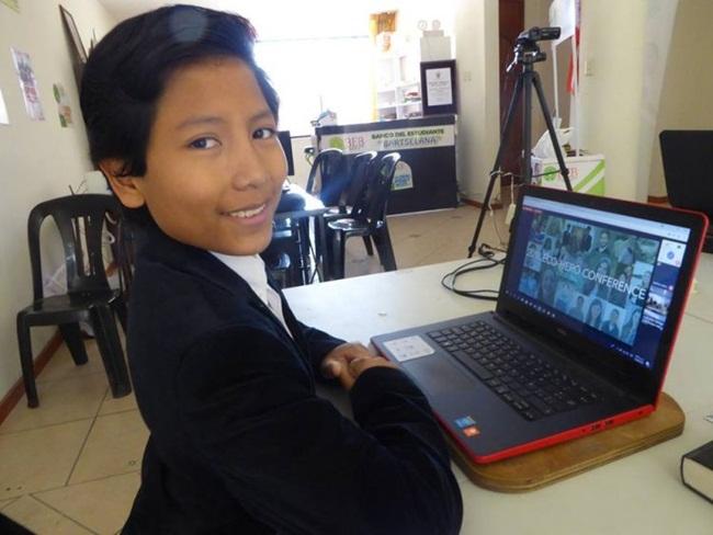 Khó tin: Cậu bé làm chủ ngân hàng từ... năm lên 7 tuổi - 1