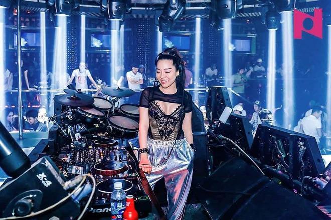 """Nữ DJ nóng bỏng  từng bị khách bỏ """"thuốc"""" vào rượu - 2"""