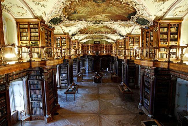 Choáng ngợp với những thư viện đẹp nhất thế giới - 12