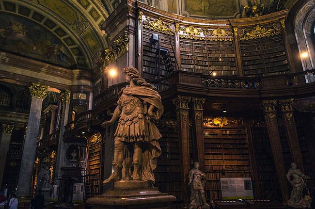 Choáng ngợp với những thư viện đẹp nhất thế giới - 14