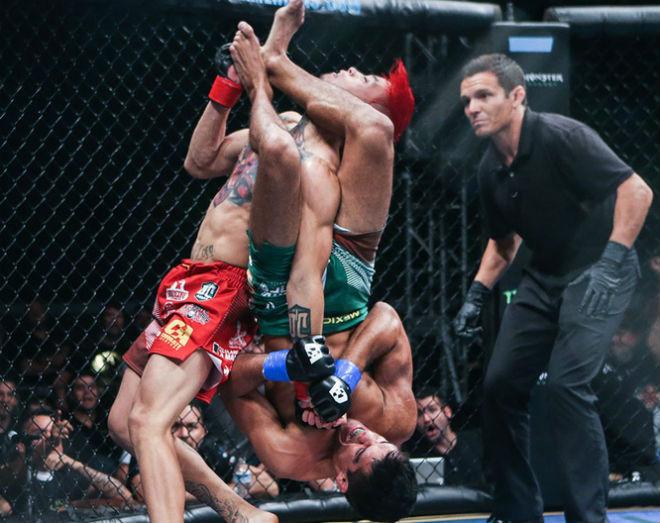MMA kinh sợ: Thoát nạn trong gang tấc với đòn bẻ ngang tay - 1