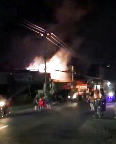 Cháy, nổ kinh hoàng tại cửa hàng ở Sài Gòn trong đêm Halloween - 1