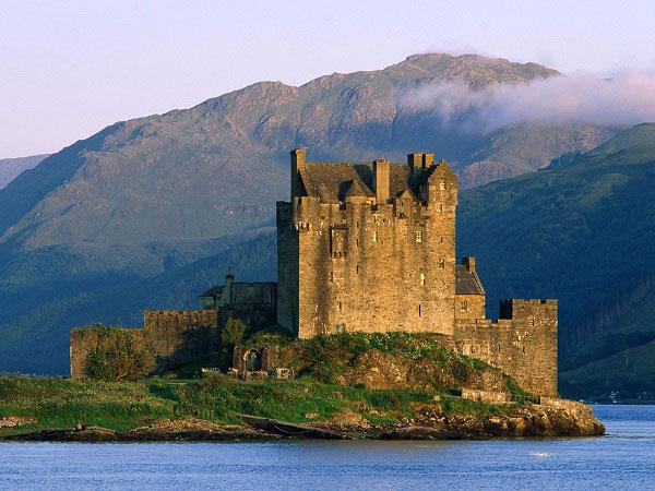 Những lâu đài đẹp ngẩn ngơ thường xuyên xuất hiện trong các bộ phim nổi tiếng - 4