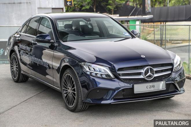 Mercedes-Benz C200 và C300 AMG Facelift 2019 sắp ra mắt tại Việt Nam - 1