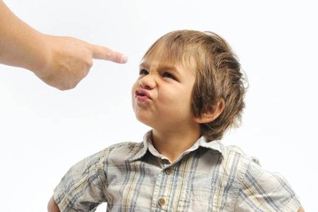 5 biểu hiện cho thấy con bạn là đứa trẻ hư, không uốn nắn có ngày hối hận - 2